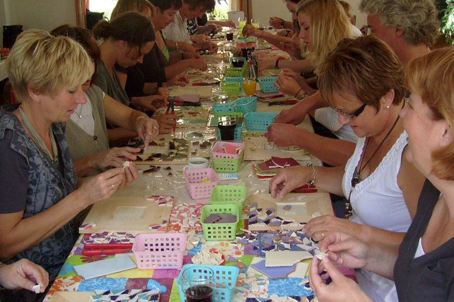 cadeau voor moeder 70 jaar - workshop mozaïeken