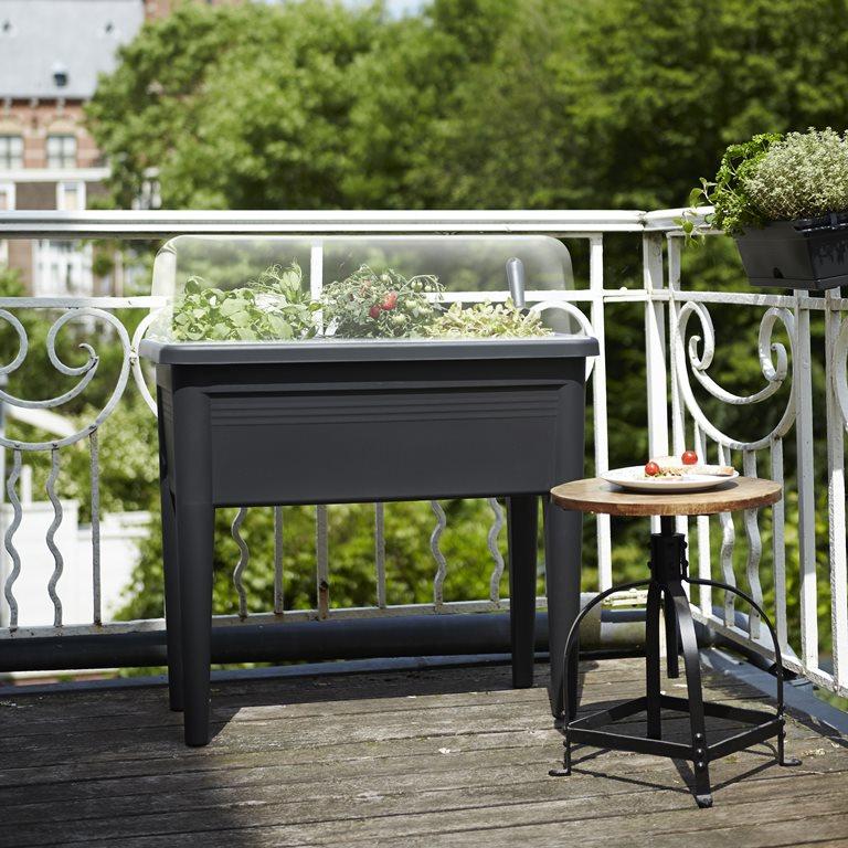 fleur oma 39 s balkon op met leuke bloempotten cadeau voor. Black Bedroom Furniture Sets. Home Design Ideas