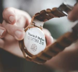 cadeau voor oma - horloge laten graveren